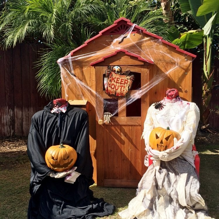 headless man and woman halloween decorations - Spooky Outdoor Halloween Decorations