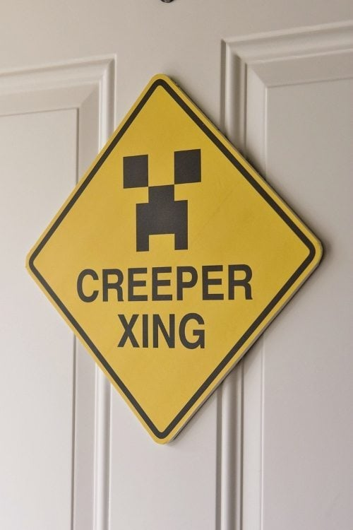 Minecraft Creeper Crossing Sign