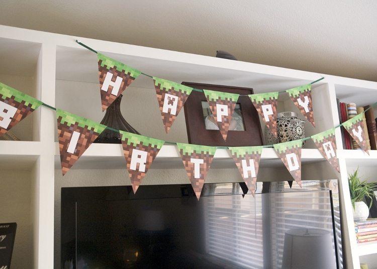 Minecraft Party Birthday Banner