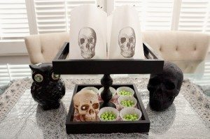 http://www.diyinspired.com/wp-content/uploads/2015/09/Upcycled-Halloween-Tray-300x199.jpg