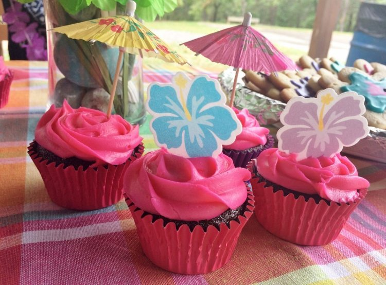 Beach Themed Party Cupcakes