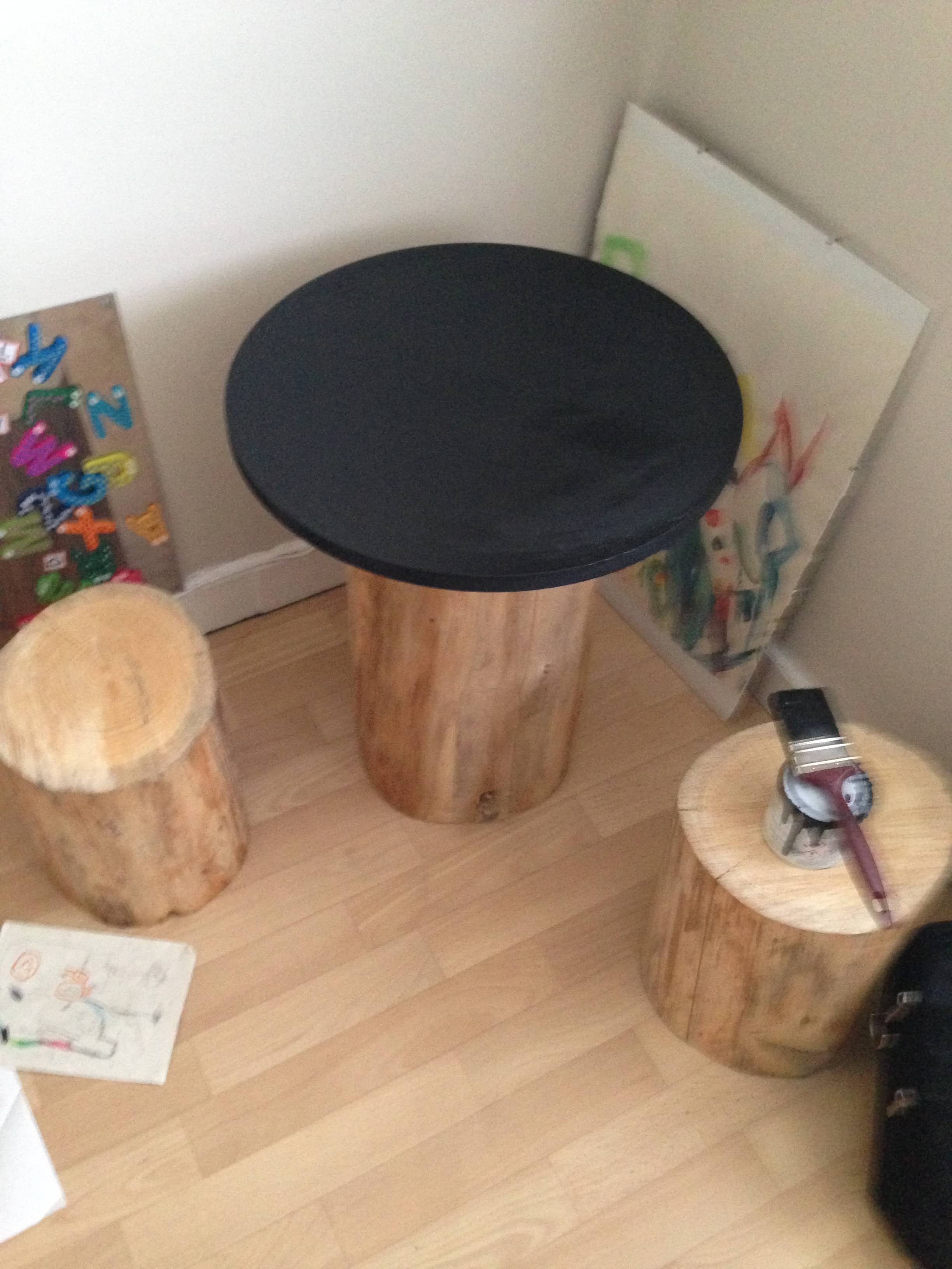 Famous DIY Tree Trunk and Toadstools Table - DIY Inspired MO86