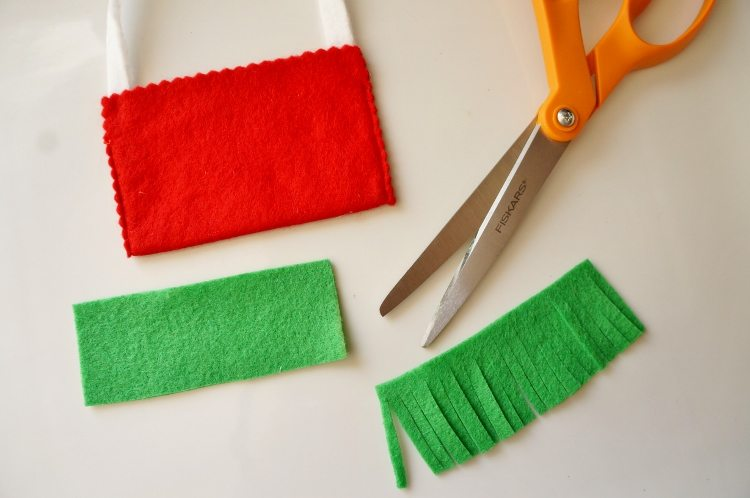 Elf on the Shelf No Sew Felt Messenger Bag