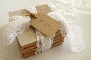 http://www.diyinspired.com/wp-content/uploads/2015/12/DIY-Repurposed-Coasters-6-300x199.jpg