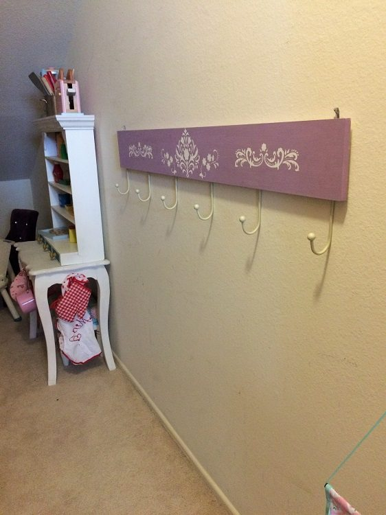 Easy Way To Hang Pictures With Two Hooks Diy Inspired