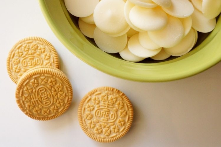 Gingerbread Oreo Cookies (1)