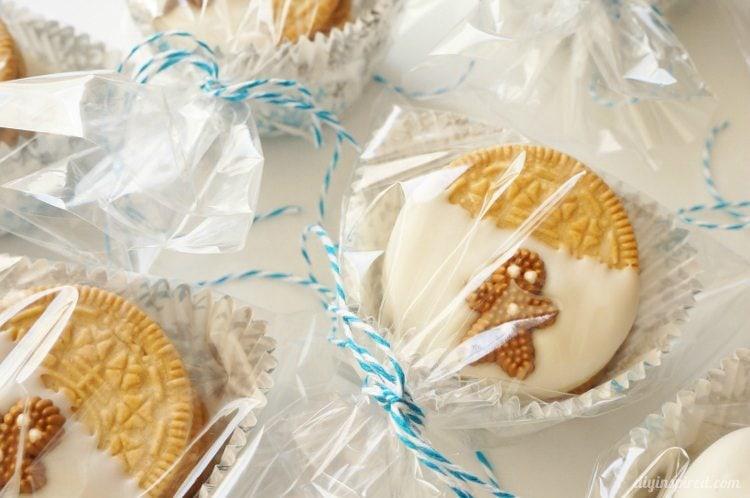 Gingerbread Oreo Cookies (6)