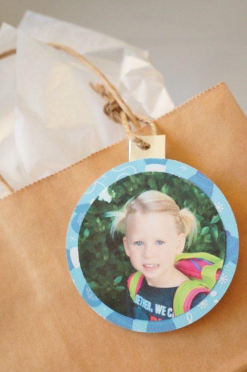 Photo Christmas Gift Tags DIYInspired.com