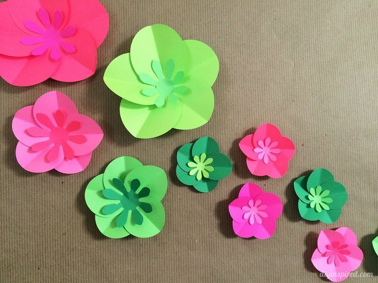 Easy diy paper flowers tutorial diy inspired how to make easy paper flowers mightylinksfo