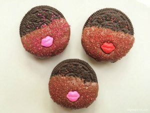 Quick and Easy Valentine Treats with OREOS