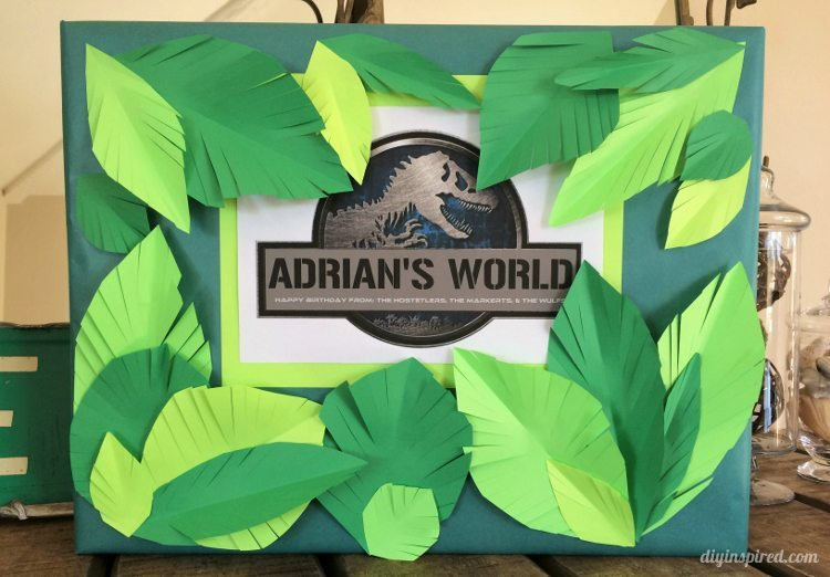 Gift Wrapping- Jurassic World Party Decoration Ideas
