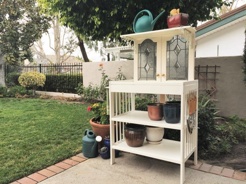 Repurposed Potting Bench (3)
