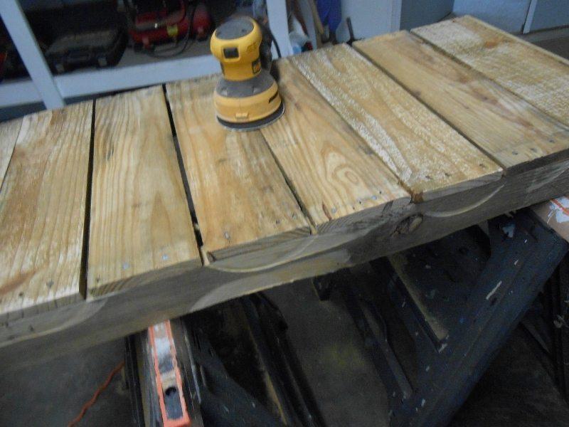 Repurposed Pallet Porch Bench DIY Idea