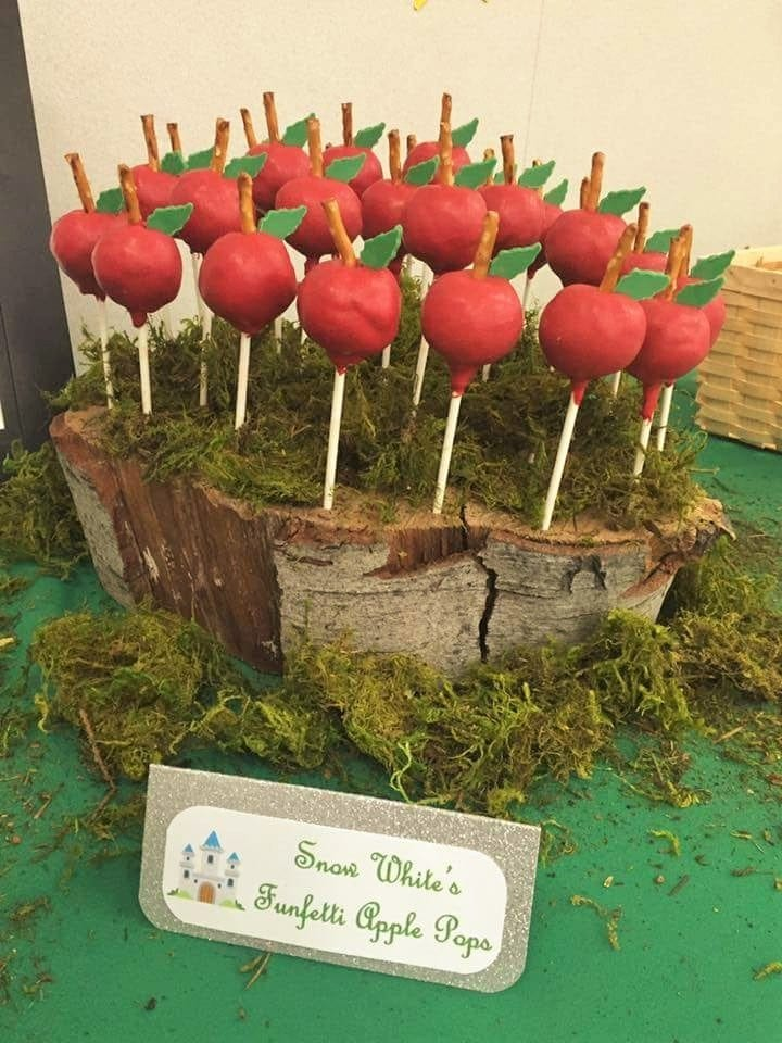 Fairytale Ball - Snow White's Apple Pops