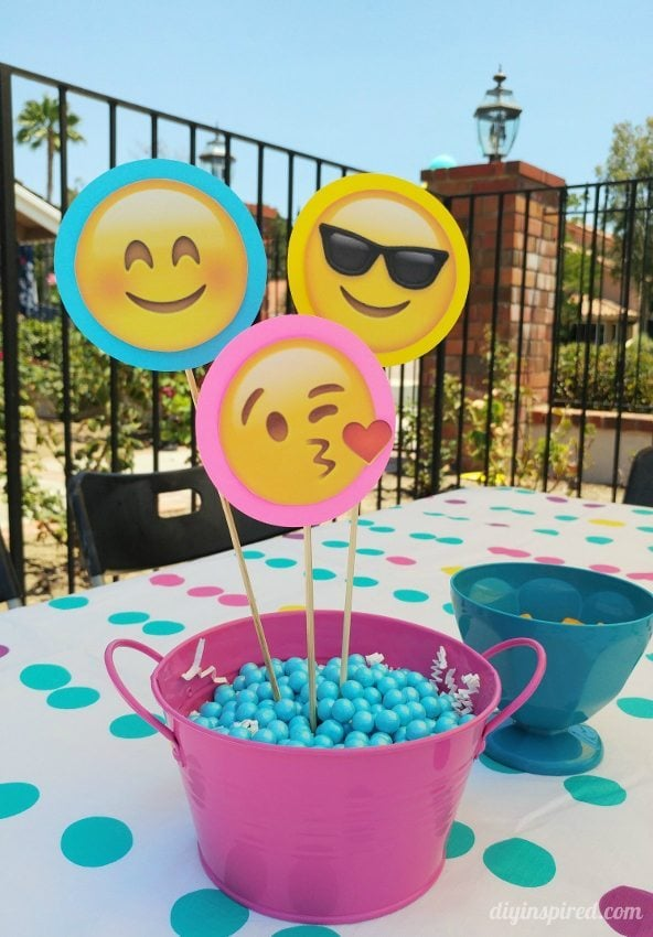 Emoji Decorations For Birthday Party