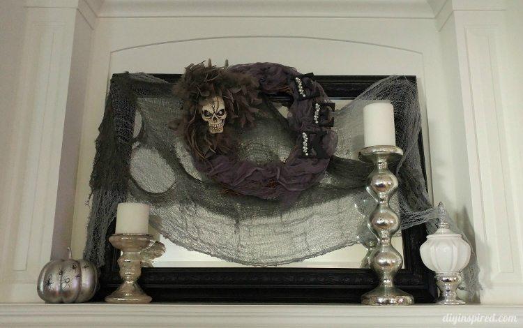 halloween-decor-spooky-mantel