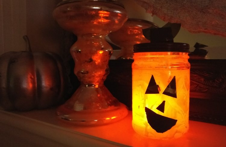 recycled-jar-pumpkin-lantern