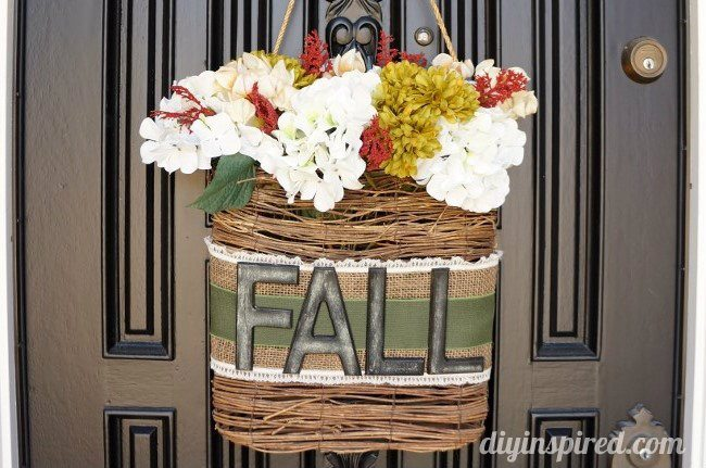 hanging-fall-wreath