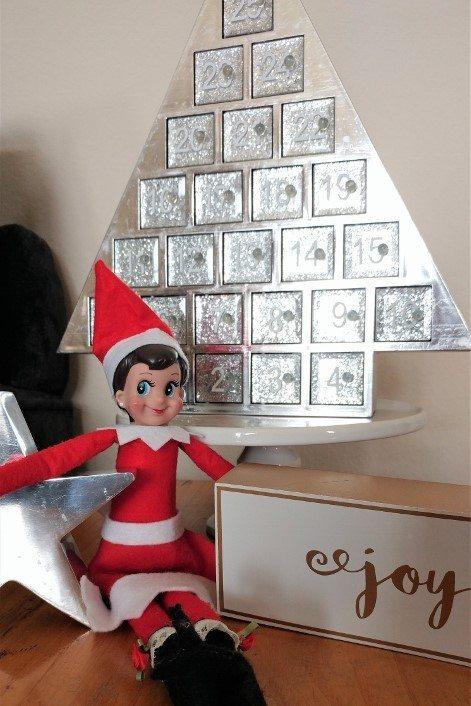 elf-on-the-shelf-ideas-advent-calendar