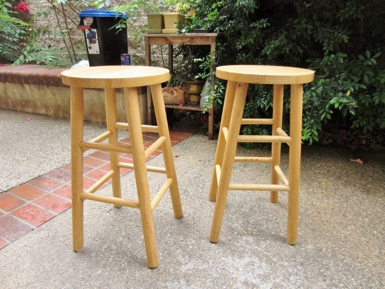 Easy Diy Furniture Makeover Emerald Green And Gold Stool